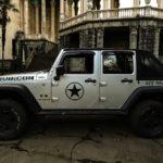 Mein Jeep vor dem Hotel Medea